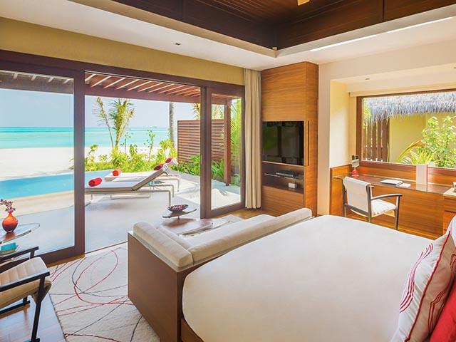 Hi_PNIY_67618703_Beach_Pool_Suite2_Interior