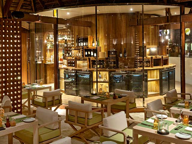 Moofushi Maldives Manta Restaurant Gallery
