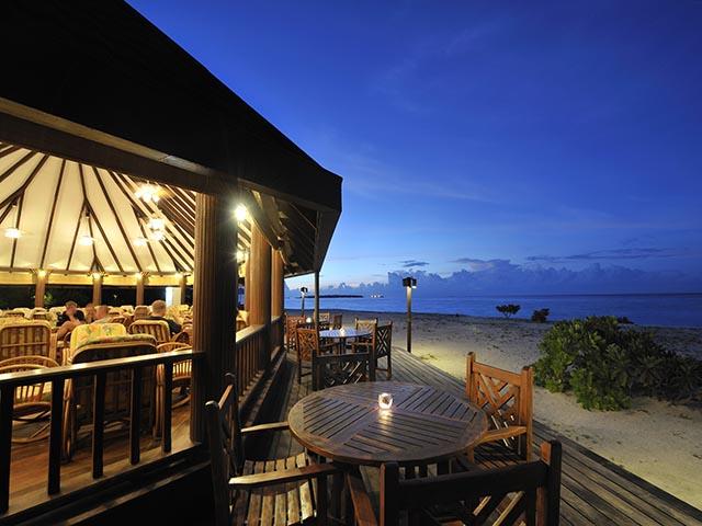 Holiday_Island_Main Bar 10