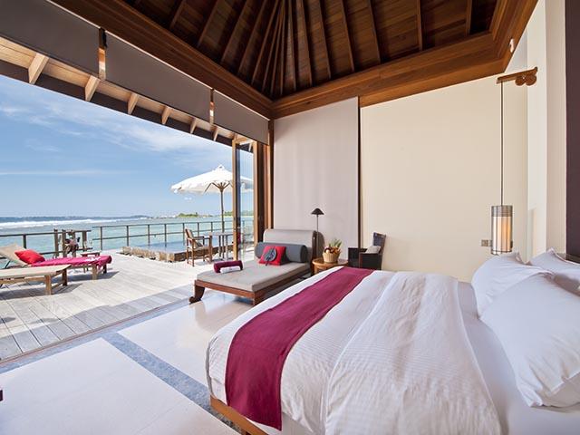 Paradise_Island_Ocean Suite Interior 03