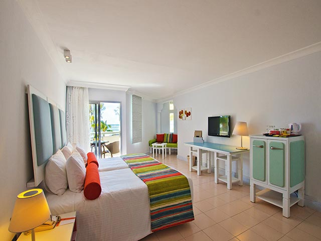 Twin-Sea-View-Room-Ambre