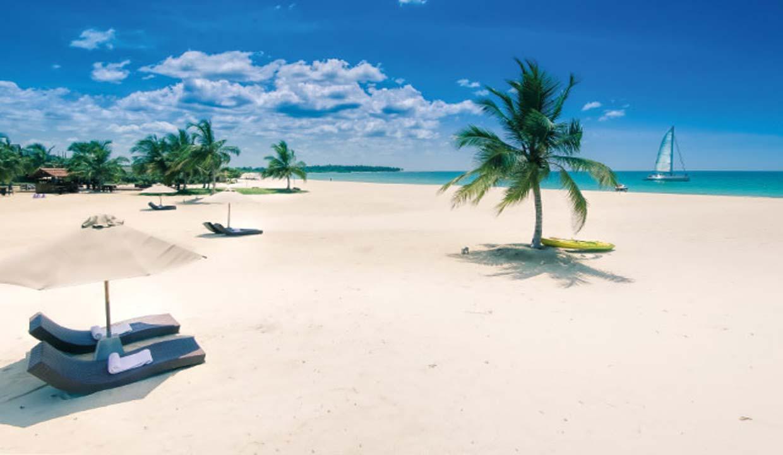 UgaBay Beach MiddayTOP