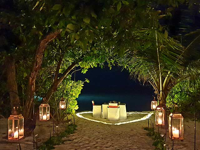 HQ Maldives REST CANDLE LIGHT Gallery